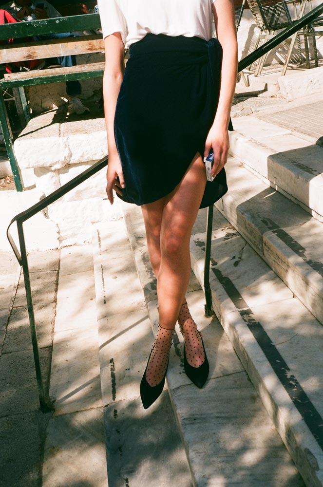 uniforme-athens-fw19-lookbook-blue-velvet-skirt-4